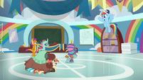 """Rainbow Dash """"great practice, everypony!"""" S9E15"""