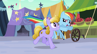 Rainbow Dash follows Amber Waves S3E01