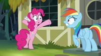 Rainbow Dash getting even more distressed S7E18
