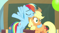 Rainbow and Applejack the party hostesses MLPS3
