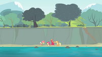 The Apples beside the river S4E20