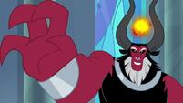 Lord Tirek exerts his power on Twilight S9E24