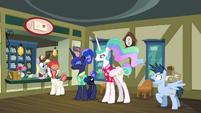 Pegasus stallion shocked to see princesses S9E13
