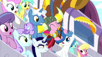 Pinkie starts playing at Wonderbolts Derby S8E18