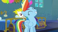 Rainbow flicking her mane back S6E7
