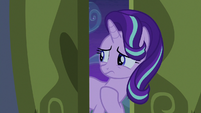 Starlight Glimmer beckons Trixie to follow her S6E25