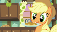 Applejack catches flapjack on a plate S7E13