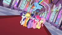 Main six ponies surprised S2E01
