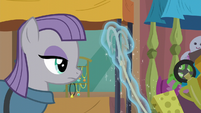Maud Pie looking at grappling hook S6E3