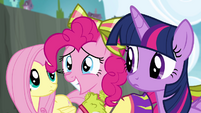 Pinkie smiling S4E10