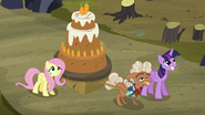 S05E23 Przyniosłam tort