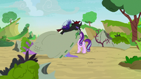 Pharynx catches Starlight and Trixie in a sack S7E17