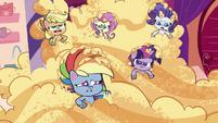 Rainbow's friends groan at her joke PLS1E1b