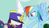 "Rainbow ""no costumes"" S4E21"