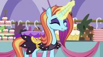 Sassy -everypony here loves royalty!- S5E14
