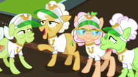 "Goldie ""we could play more games!"" S8E5"