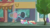 Manehattanite ponies duck under Rarity's luggage S8E4