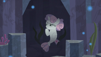 Sweetie Belle in a dimly lit alcove S8E6