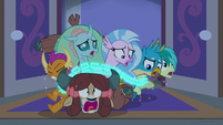 Young Six caught in magic chains S8E25