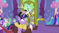 """Discord """"what are we going to do with her"""" S7E1"""