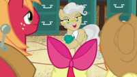 """Mayor Mare """"Bright Mac asked me to meet him"""" S7E13"""