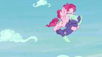 Pegasus catches Earth mare in midair S8E25