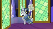 Star Swirl asking for Twilight and Sunburst's help S7E26
