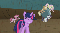 Twilight endures bickering while pondering Discord's new riddle S2E02