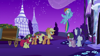 Rainbow Dash --you have to follow me!-- S6E15