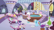 S02E23 Kucyki i Spike w Spa