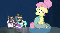 Smoky's family holding a new disguise S8E4