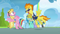 Spitfire shouts at the pink Pegasus S3E07