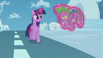 Twilight catches Spike before he falls S5E25