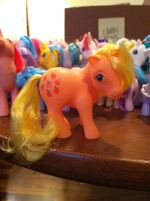 Lauren Faust G1 Applejack toy