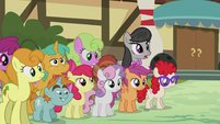 Octavia Melody joins the crowd S5E9