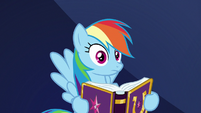Rainbow sees her friends looking at her S7E14