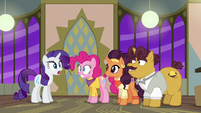 Rarity and Pinkie hear a knock at the door S6E12