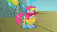 S01E07 Pinkie w swoim kostiumie