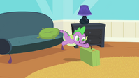 Spike grabbing suitcase S4E24