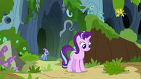 Starlight Glimmer finishes setting trail of leaves S7E17