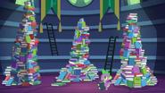 S05E22 Spike i wielkie stosy książek