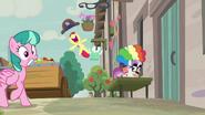 S07E08 Apple Bloom skacze z radości