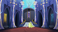Spike and Sludge in the castle foyer S8E24