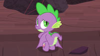 Spike and his wings drooping S9E9