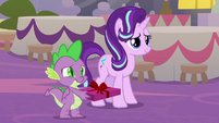 Starlight and Spike presenting a gift S9E26