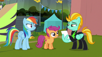Lightning Dust signs autograph for Scootaloo S8E20
