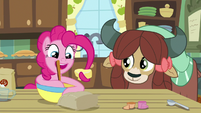 Pinkie Pie mixing in the butter S9E7