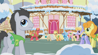 Ponies looking back toward Twilight S1E11