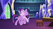 S07E24 Starlight Glimmer przytula Twilight