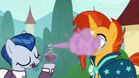 Sleek Pony sprays Sunburst with essence S8E8